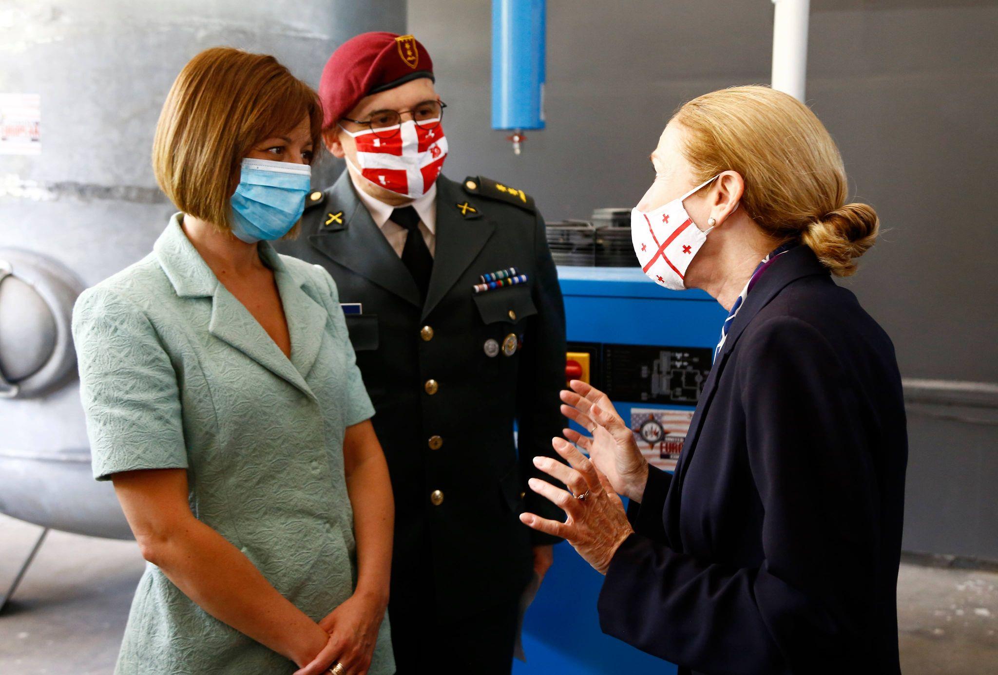 აშშ-მ რესპუბლიკურ საავადმყოფოს ჟანგბადის მაგენერირებელი აღჭურვილობა გადასცა