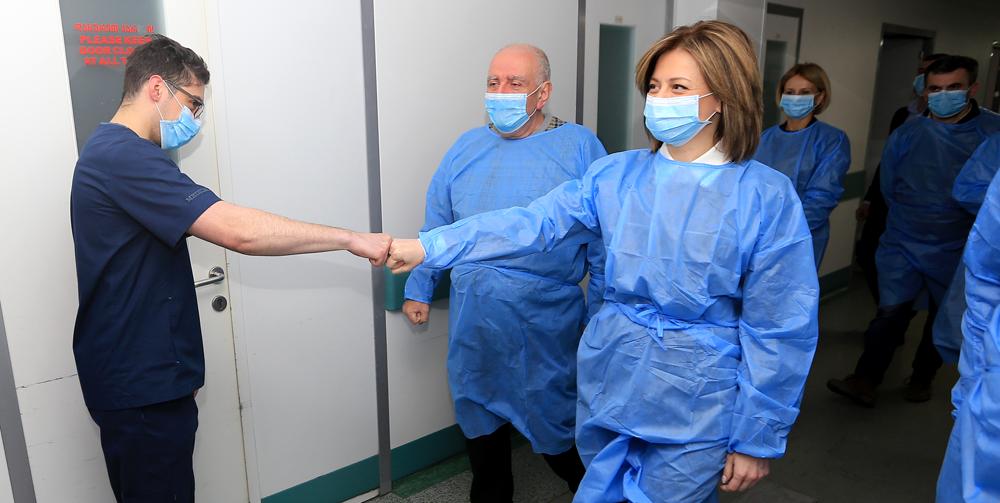 ჯანდაცვის სამინისტრომ რესპუბლიკურ საავადმყოფოს  ხელოვნური სუნთქვის 30 აპარატი გადასცა