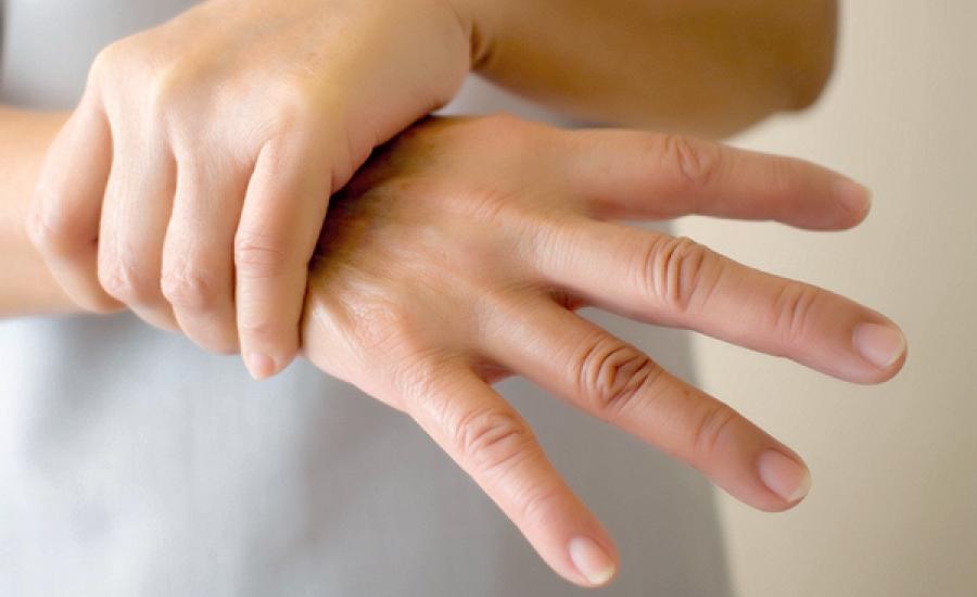 რატომ გვიკანკალებს ხელები